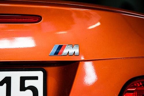 BMW M3 in einer Kfz Werkstatt